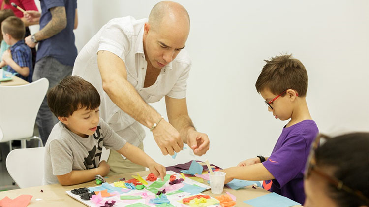 Family Saturdays: Family Art Workshop