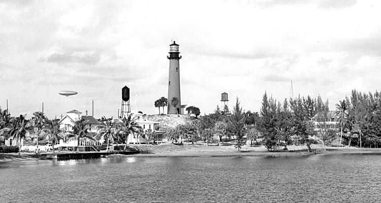 Jupiter Inlet Lighthouse circa 1945